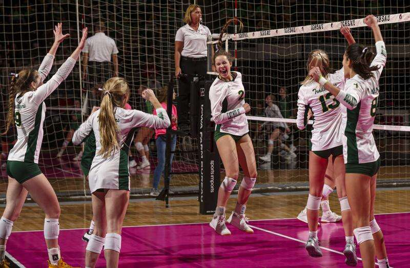 Another sweep puts Dyersville Beckman in state volleyball finals