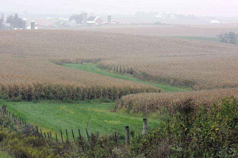 Iowa scientists: Farmers, policymakers key in reducing greenhouse emissions