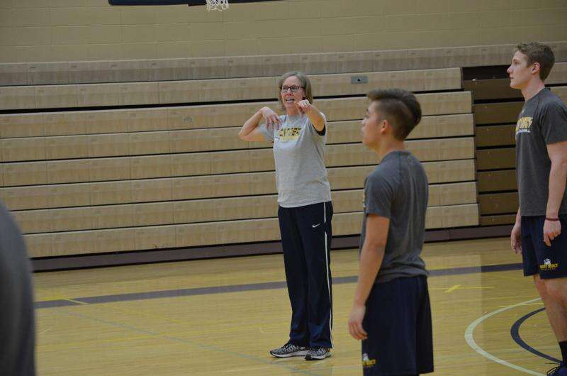 In year one, Mount Mercy men's volleyball program looks for growth