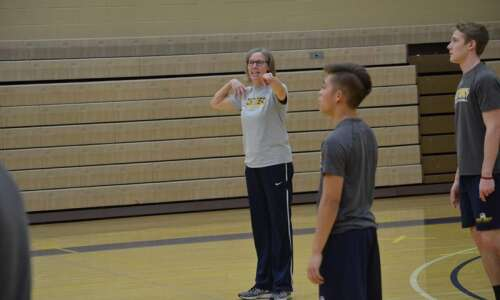 In year one, Mount Mercy men's volleyball program looks for…