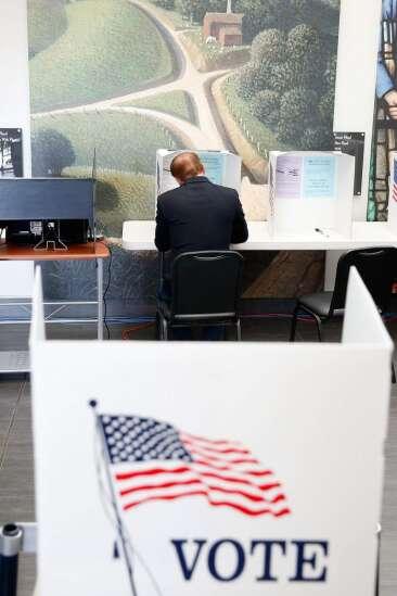 40 days of early voting underway in Iowa