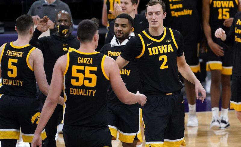 Iowa Hawkeyes' balance makes Northwestern dizzy Sunday in 96-73 blowout