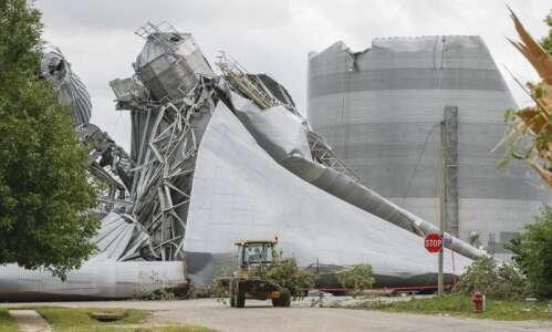 Photos: Rural Iowa cleans up after derecho