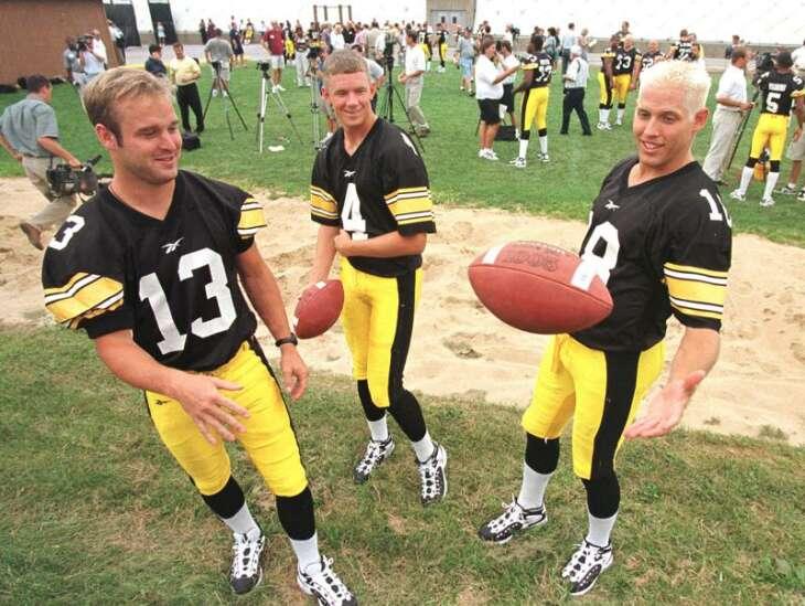 Iowa Hawkeyes love their alternative uniforms ...