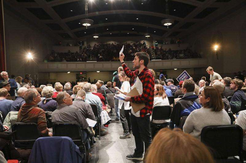 No chance for meaningful discussion at Iowa's mega-caucuses