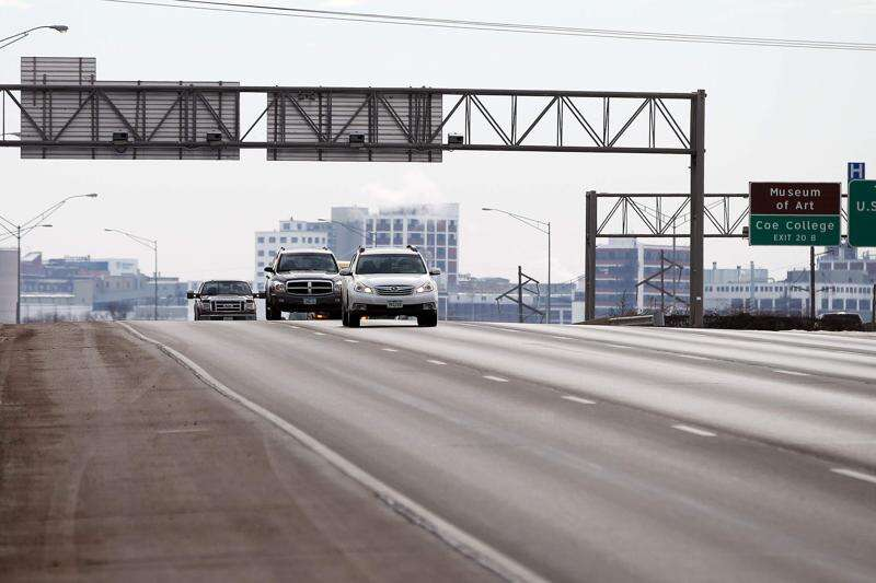 Side effects loom if Iowa adopts traffic camera ban