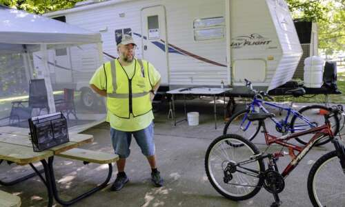 Iowa campground hosts busy amid COVID-19