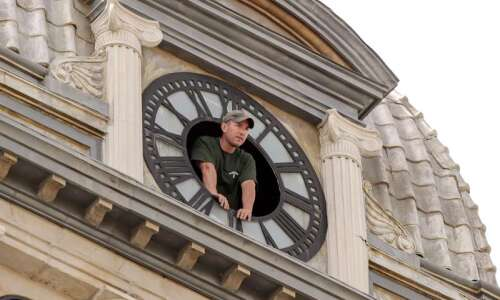 Restored Benton County Courthouse clock makes its return