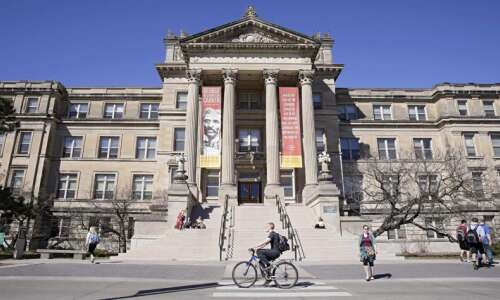 1 Iowa State University student dead, 1 missing after boat…