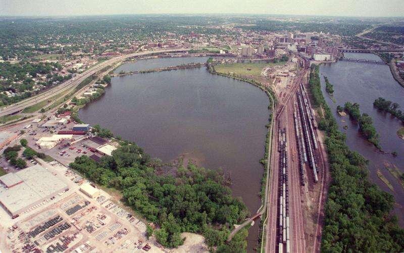 Study clears way to negotiate Cedar Lake ownership transfer