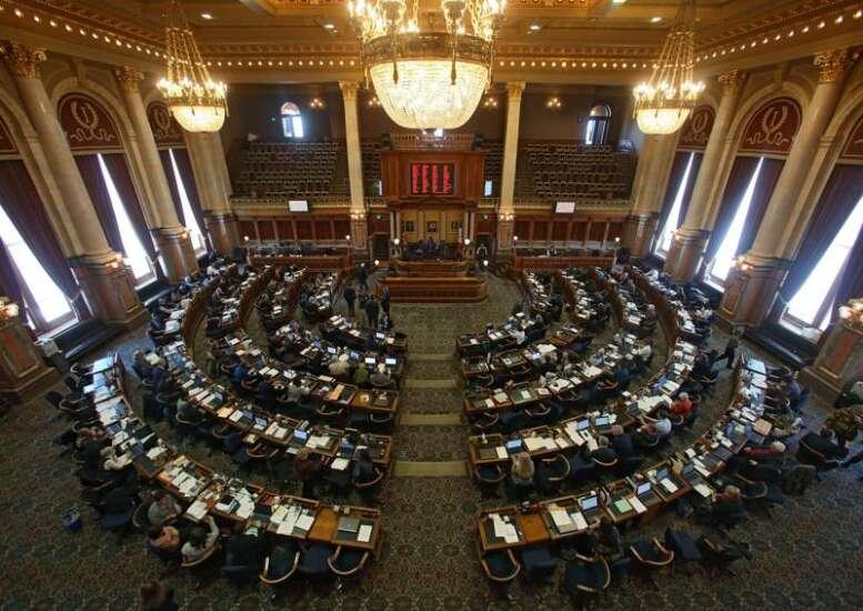 Iowa lawmakers won't reconvene until at least April 30