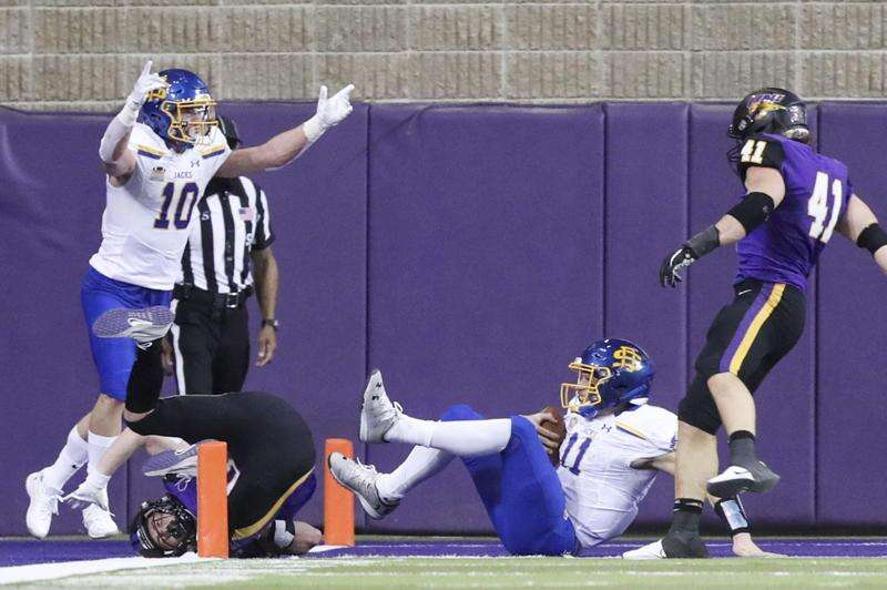 UNI football falls to South Dakota State in spring season-opener decided in final seconds