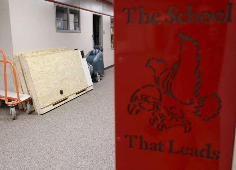 Student seclusion reports kept secret by Cedar Rapids, Iowa City school districts