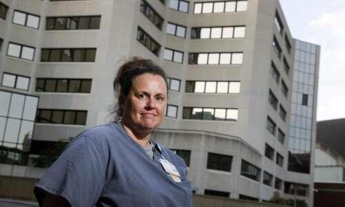 UI hospitals workers seek judge ruling in unfair pay lawsuit