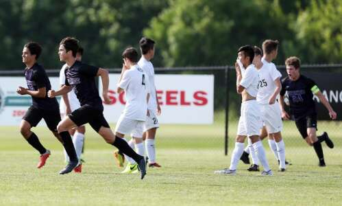 Iowa City West boys' soccer can't stop Waukee from unbeaten…