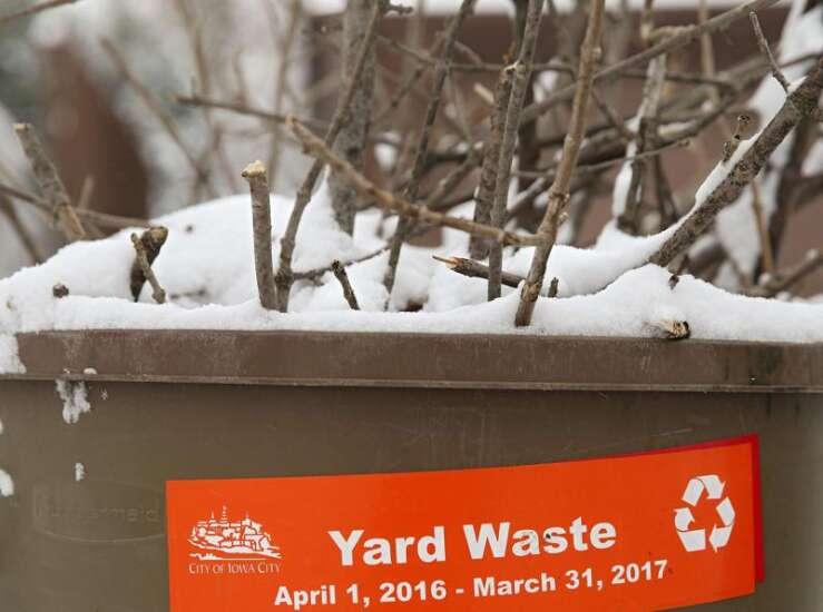 Food waste joins curbside composting in Iowa City