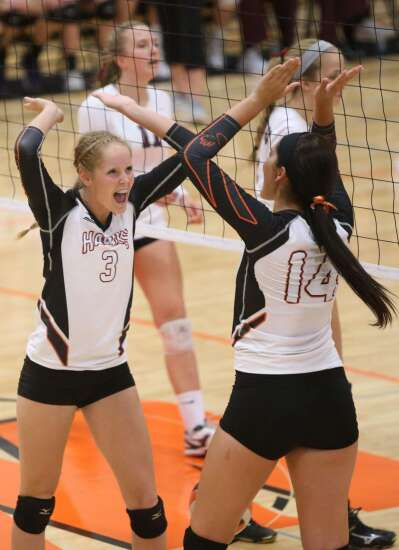 West Delaware wins 20th straight match