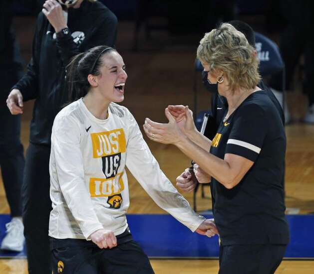 Iowa Hawkeyes vs. UConn Huskies: Full speed ahead in NCAA women's basketball Sweet 16