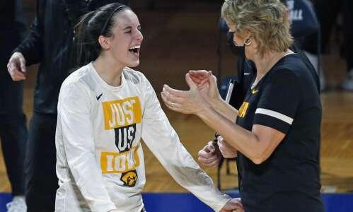 Iowa Hawkeyes vs. UConn Huskies: Full speed ahead in NCAA…