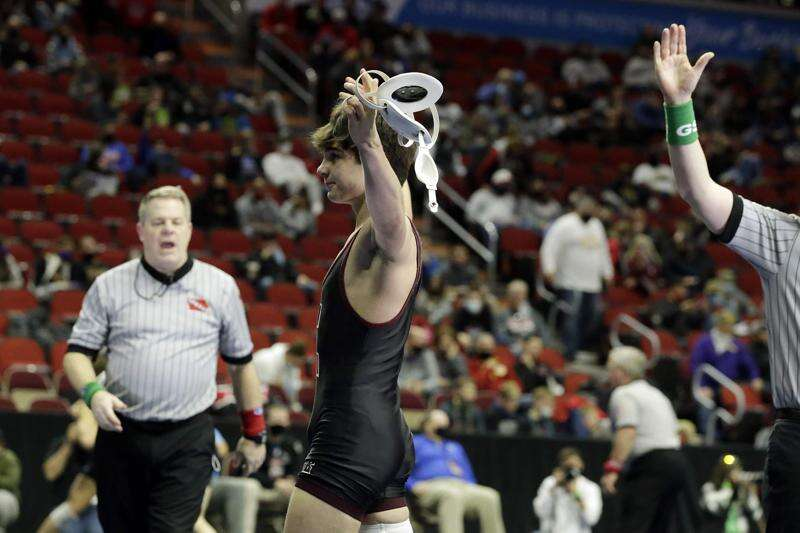 Independence's Brandon O'Brien, Isaiah Weber reach state wrestling finals in dominant fashion
