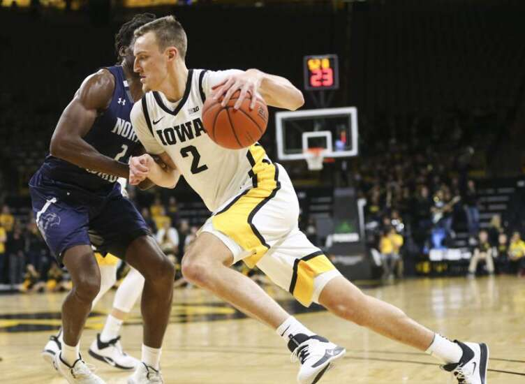 Iowa men's basketball mourning loss of Jack Nunge's father