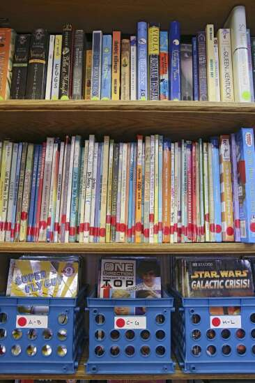 Study: Reading programs may teach parents and kids more than literacy