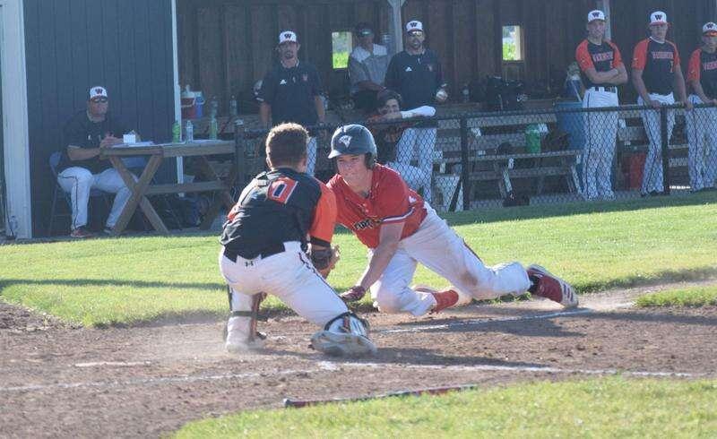 Bloodhounds defense wins pitchers' duels