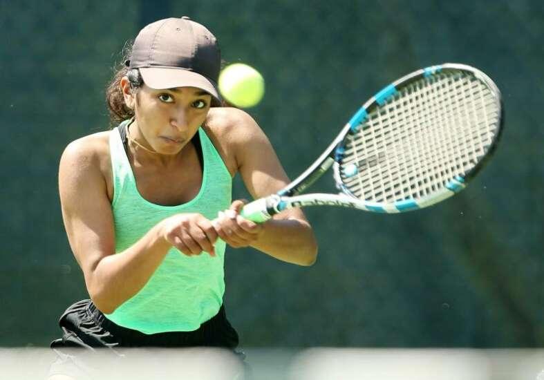 Iowa high school tennis seniors hope to have final season