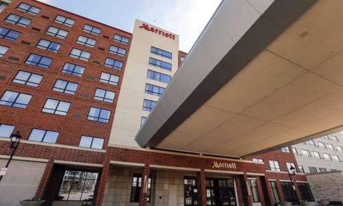 Coralville hotel and conference center to switch management
