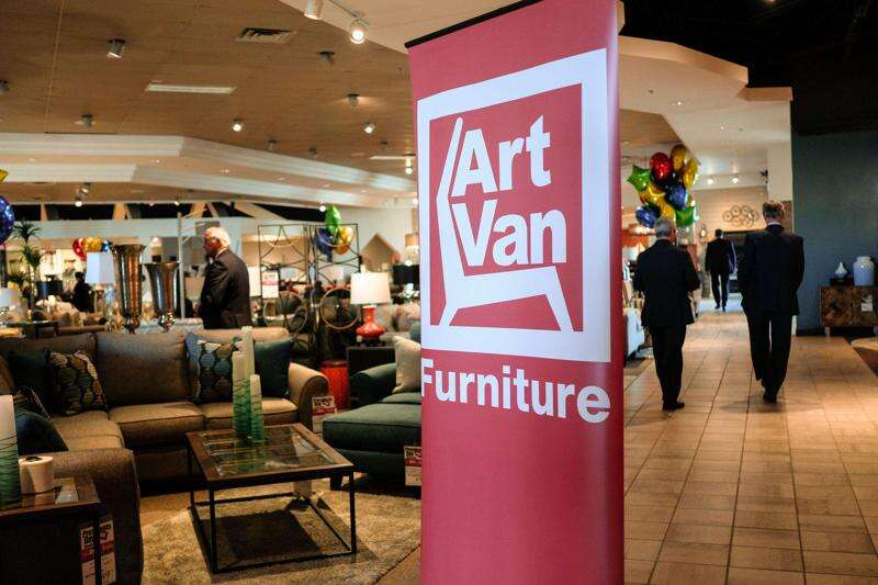 Coralville Art Van Furniture will remain open Chain to liquidate its own stores