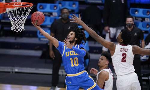 UCLA's Tyger Campbell brings Cedar Rapids with him to Elite…