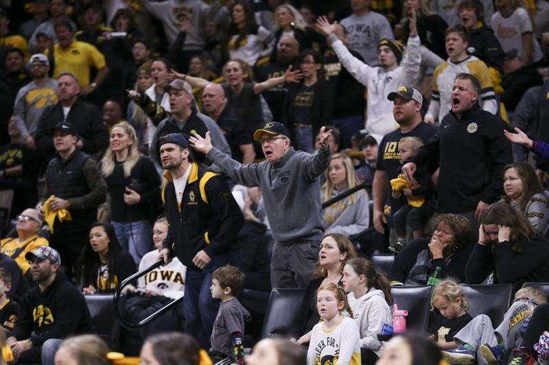 Reaction to Iowa vs. Penn State dual, UNI's hot streak: Pinning Combination