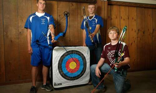 3 of nation's top prep archers come from Eastern Iowa