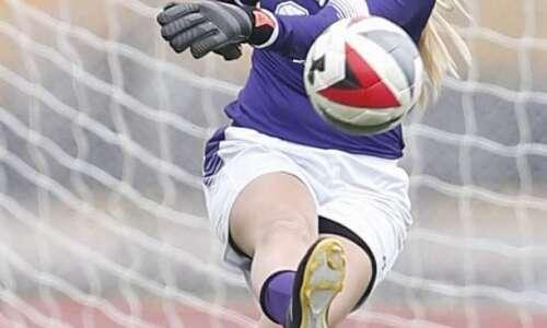 Linn-Mar girls' soccer looks to battle in tough MVC