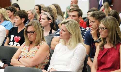Speakers scold Cedar Rapids school board in wake of fallout…