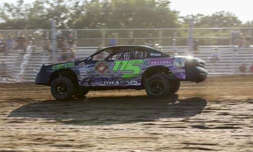 Neighbors team up to race at Independence Motor Speedway
