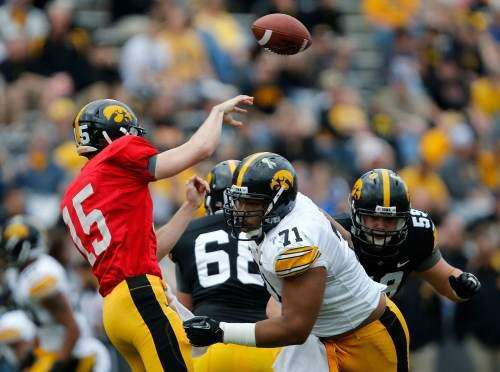 Hawkeyes would love spring's Carl Davis this fall
