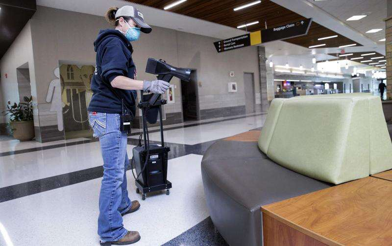The Eastern Iowa Airport to begin requiring masks Tuesday