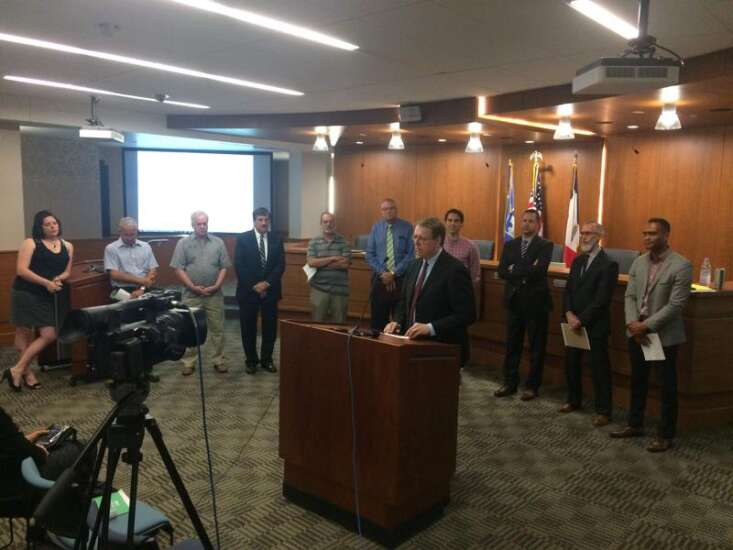 Linn County supervisors pledge support for Paris accord climate agreement