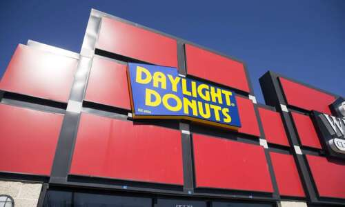 Daylight Donuts returns to Iowa City's east side in new…
