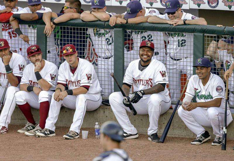 Hlas: Midwest League All-Star David Denson gay, accepted