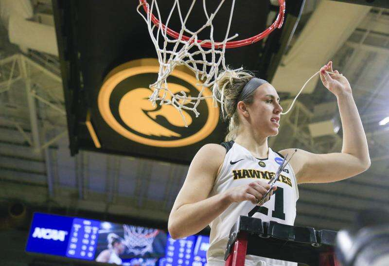 Hannah Stewart stuck it out, stuck around and is reaping the benefits with Iowa women's basketball
