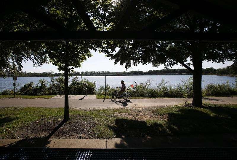 At 95, Cedar Rapids man struggles to walk but trikes everyday