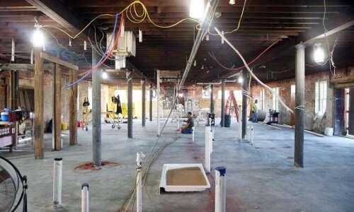 Historic Knutson building in Cedar Rapids getting a new look,…
