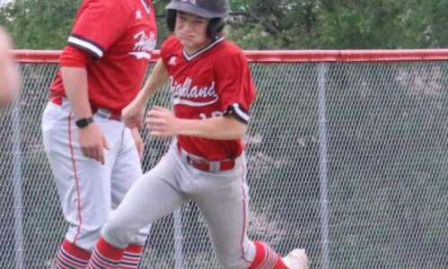 Highland baseball at 3 straight triumphs