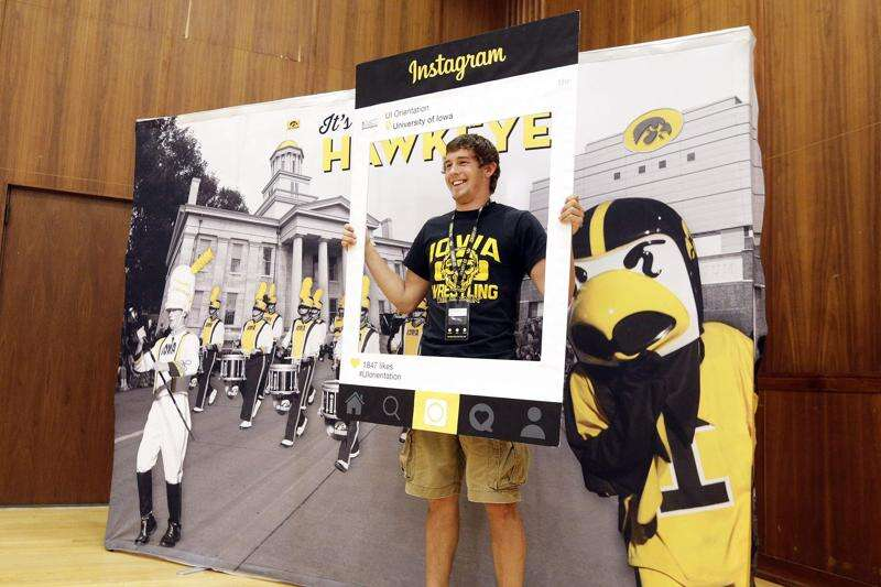 Iowa universities keeping busy orienting students