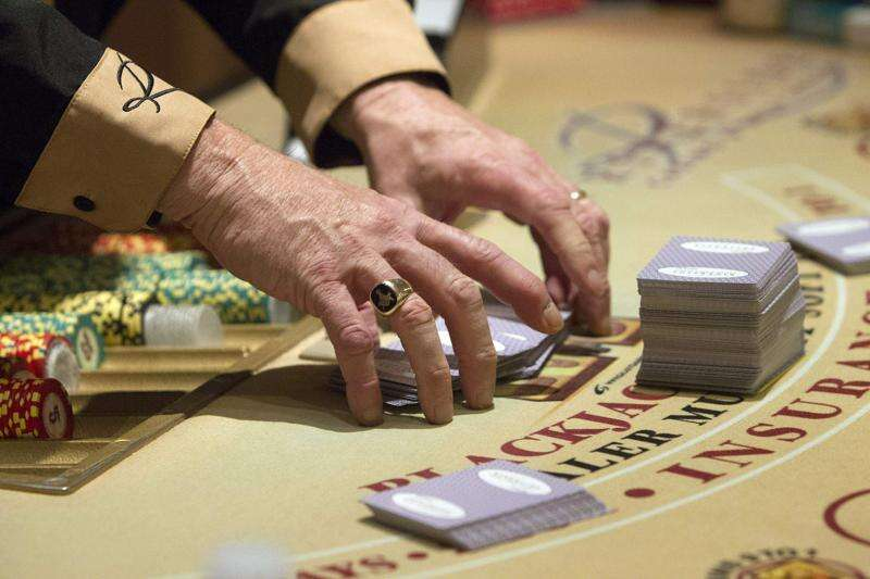 Iowa lawmakers, casinos, lottery 'all in' for sports betting