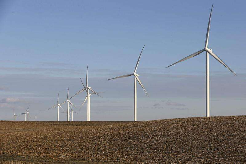 MidAmerican plan aims to reduce number of eagles, bats killed by wind turbines