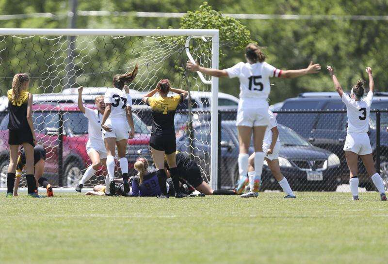 Center Point-Urbana blanked in girls' state soccer semifinals by North Polk