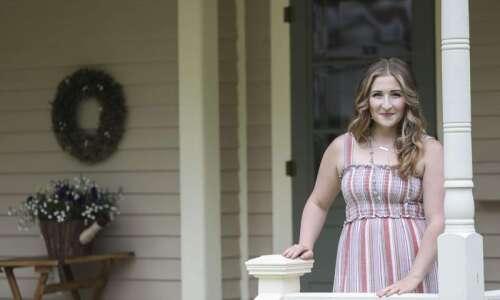 Mount Vernon Victorian home remodel showcases palette of bright interior…